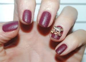 unhas-de-couro-decoradas-300x219