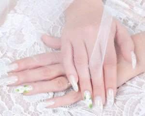 unhas-decoradas-de-noivas-rendadas-300x240
