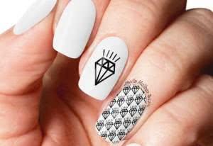 desenhos-de-unhas-de-diamante-300x206