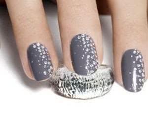 unha-de-diamante-decorada-300x263